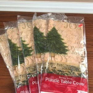 5 Christmas plastic table covers